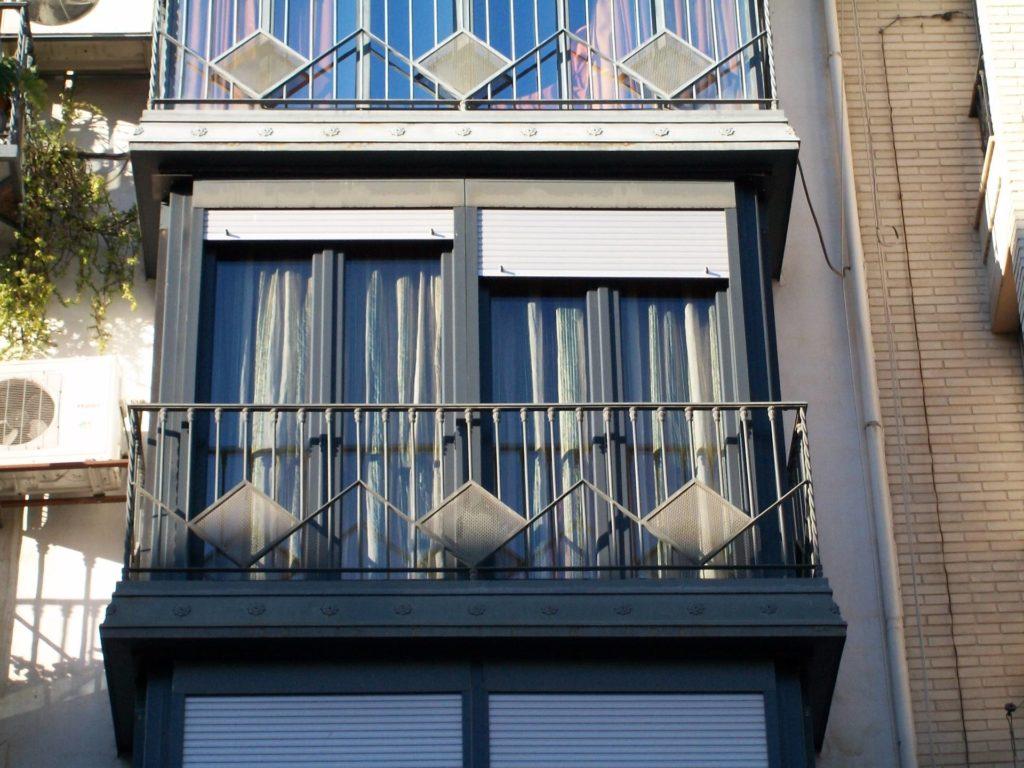 cerramiento de balcon en Loja