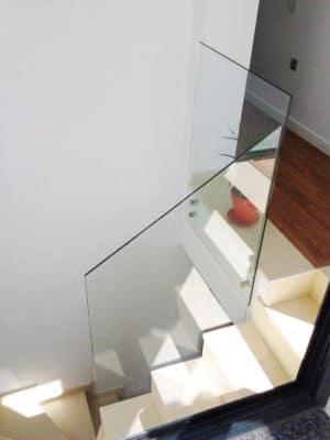 baranda de cristal en casa