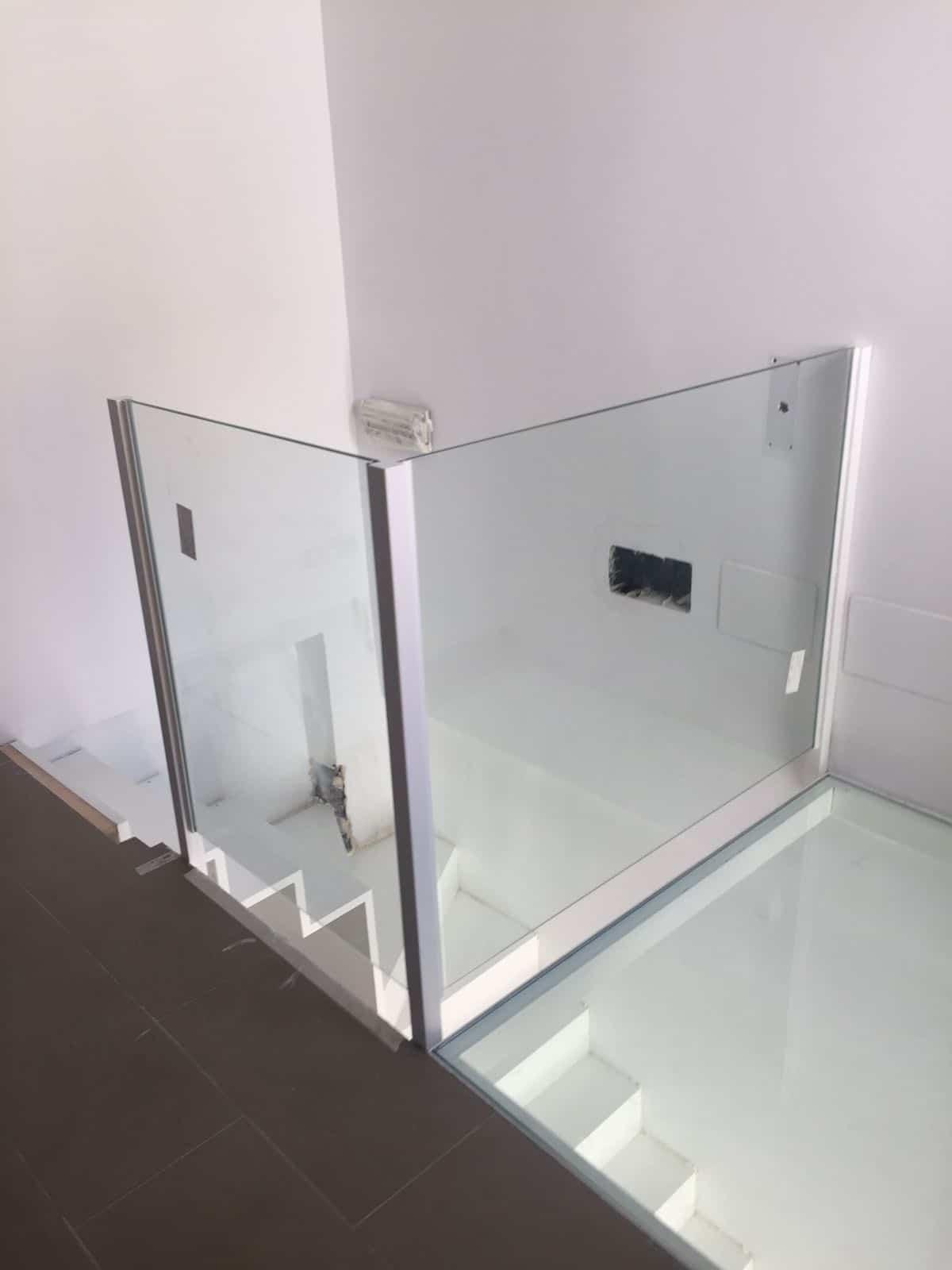 Suelo de vidrio pisable beautiful baranda de escalera de - Suelos de vidrio ...