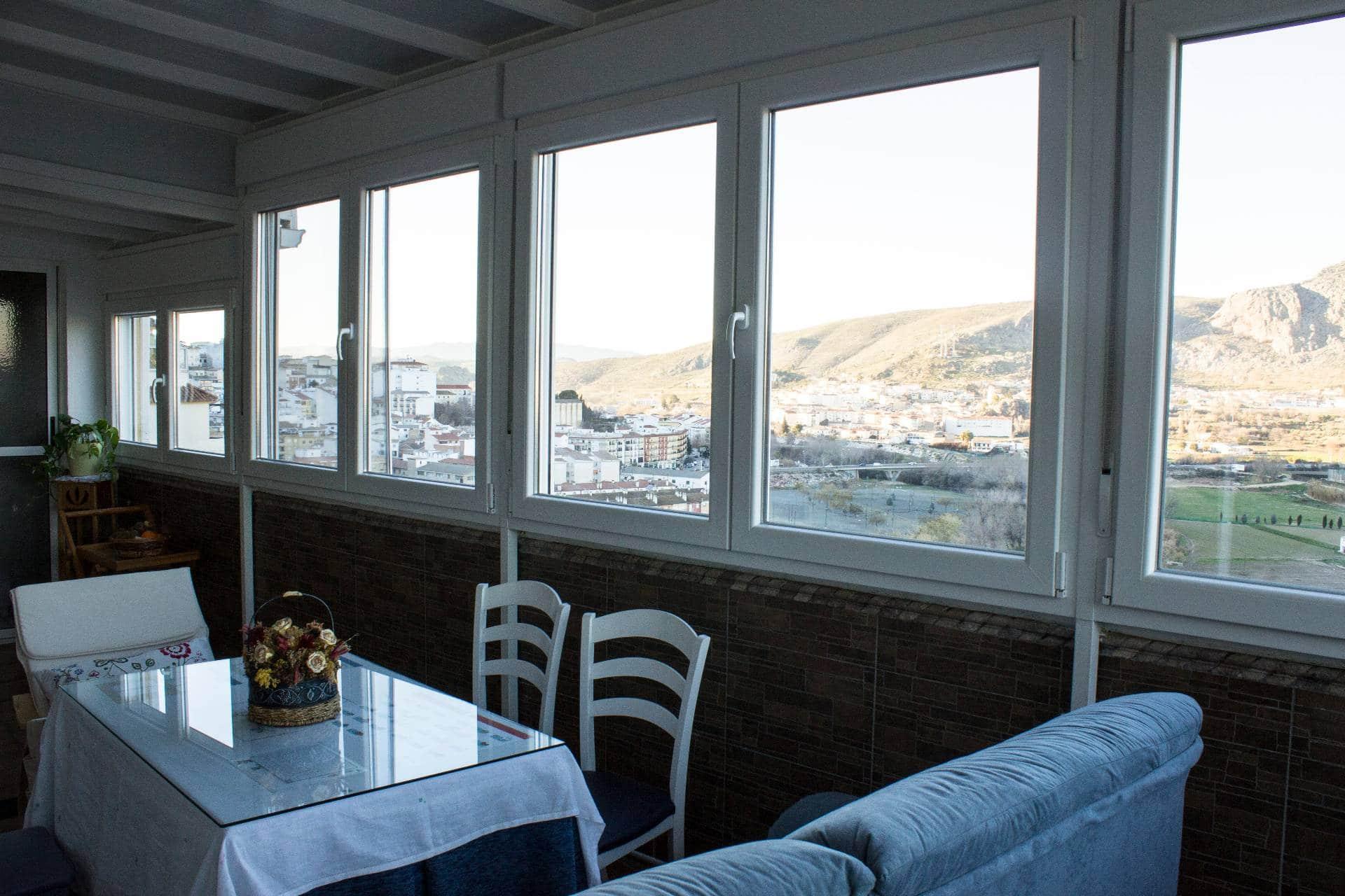 Cerramiento de terraza exterior con ventanas de pvc y techado pelayo - Techado de terrazas ...
