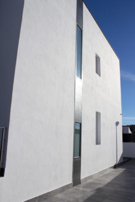Instalacion de ventanas y puertas de aluminio en loja 1