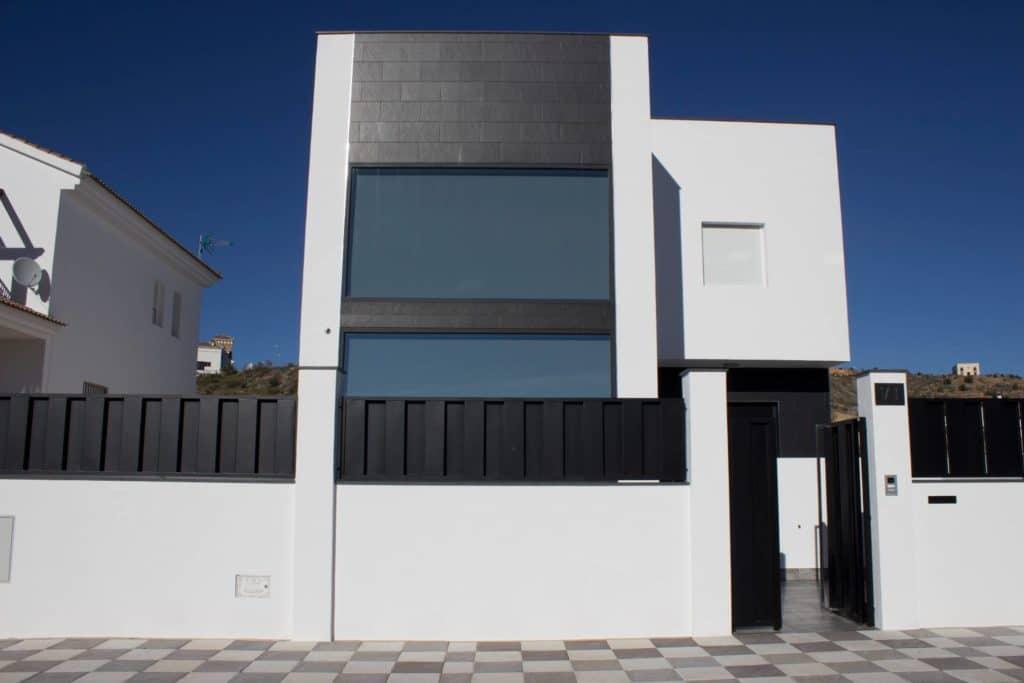 Instalacion de ventanas y puertas de aluminio en Loja