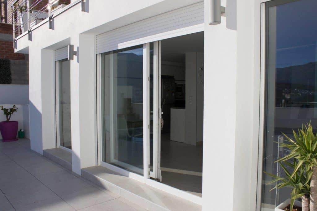 Diferencia entre carpintería PVC y aluminio en hogares