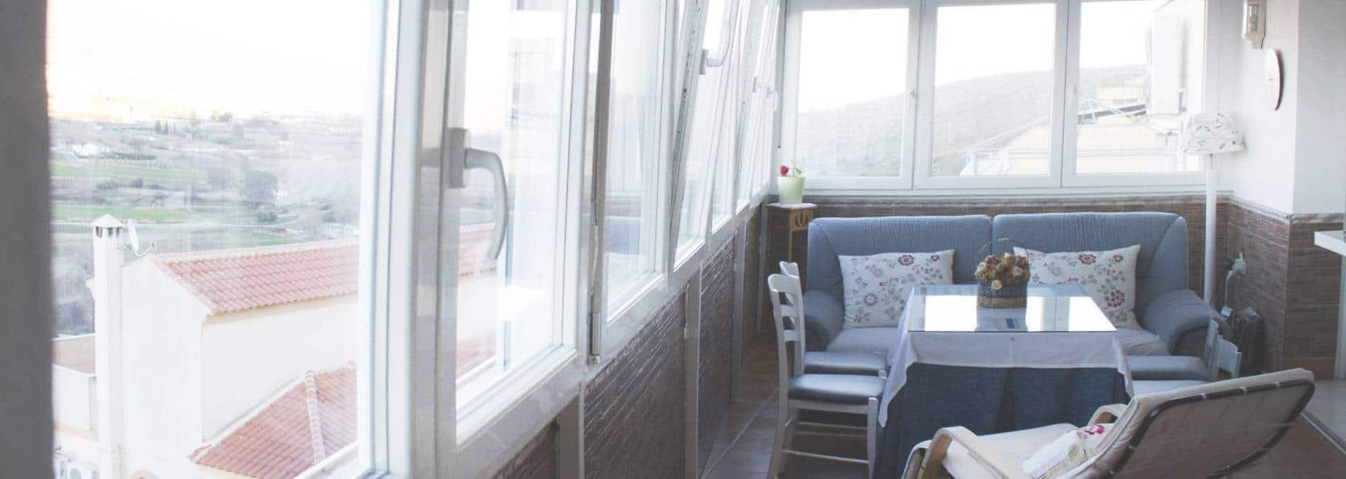 Por qué hacer un cerramiento en tu terraza - Consejos para cerramientos