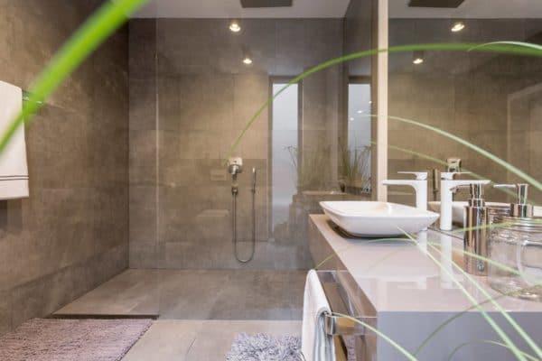 Consejos para mejorar el baño de tu hogar - Mamparas de baño