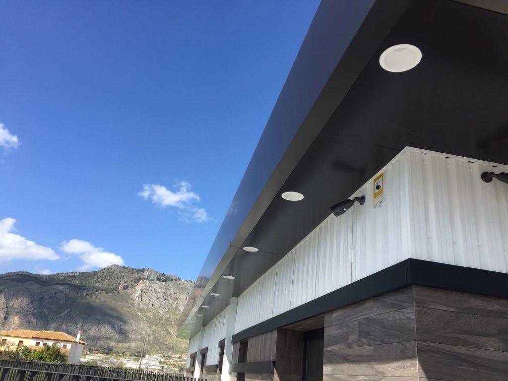 Nuevo Tanatorio de Loja - Proyecto de Cristalería Pelayo